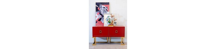 Salón (mobiliario adecuado: cómodas, mesas, sofás, sil)